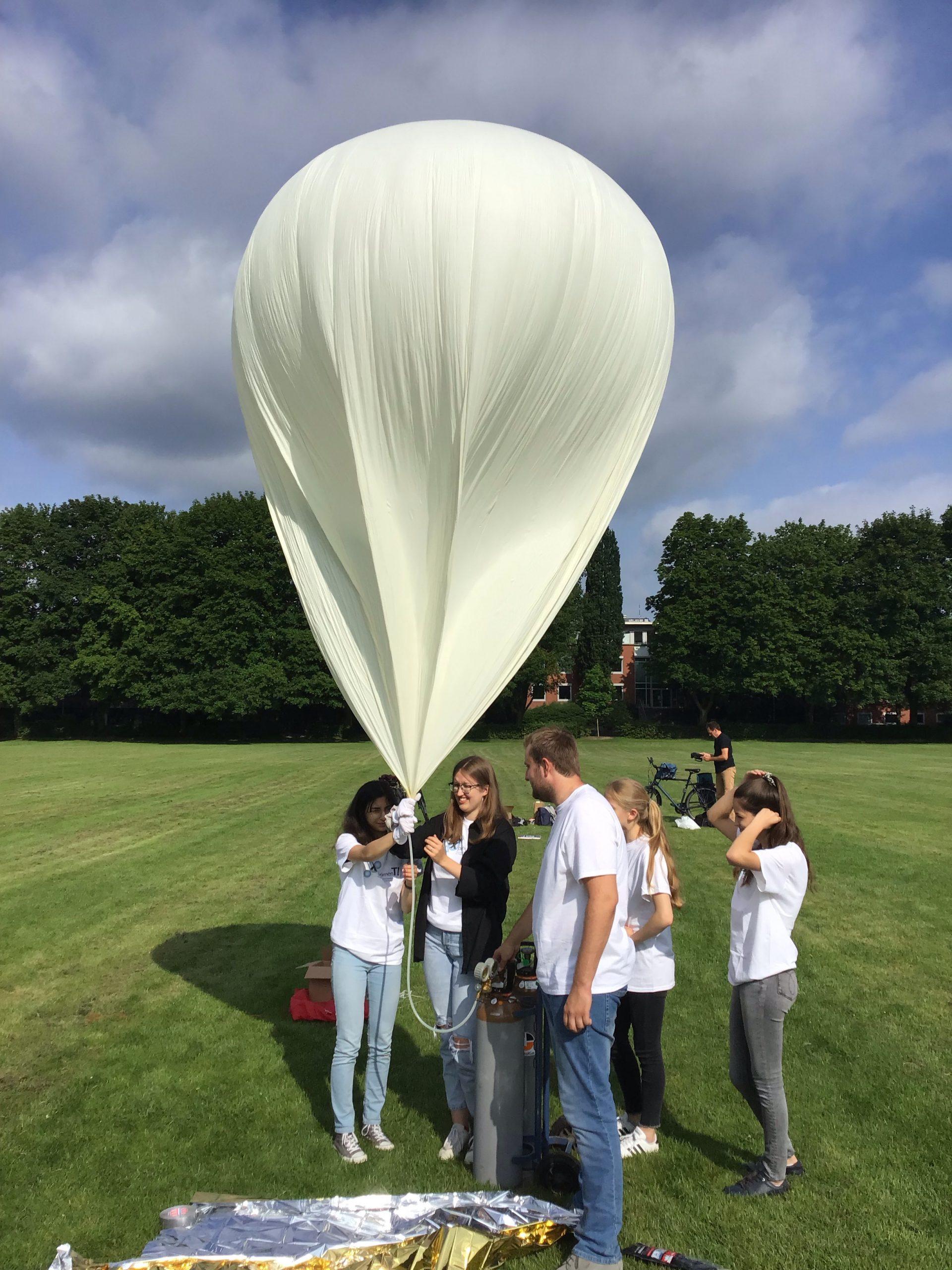 Wetterballon_halbvoll